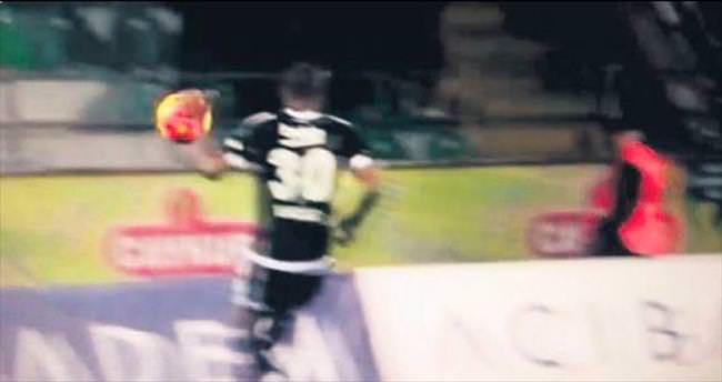 10 saniye sonra penaltı!..