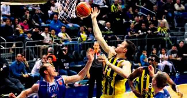 Fenerbahçe farka gitti