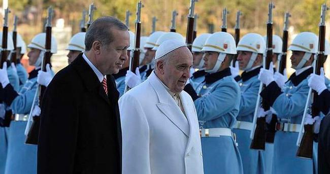 Papa'dan Cumhurbaşkanı Erdoğan'a taziye