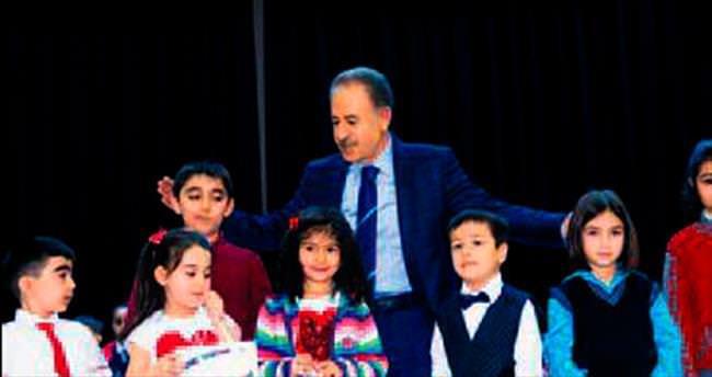 İstiklal Marşı'nı en güzel minikler okudu