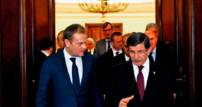 Tusk: Türkiye ile omuz omuzayız