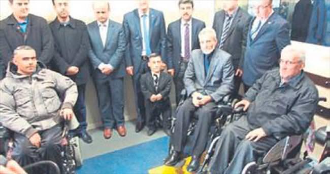 Engelli merdiveni hizmete sunuldu
