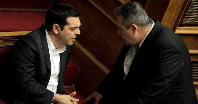 Yunan hükumetinde Makedonya krizi