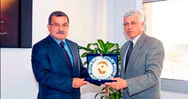 Önder Abi, teşekkür belgesiyle uğurlandı