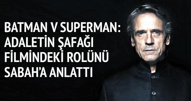 Süper kahramanlar bir anlığına bizi güçlü hissettirir