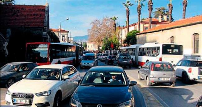 İzmir'de araç sayısı 1 milyon 216 bin