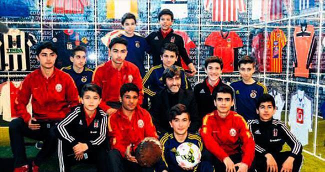 Rıdvan futbol sergisi gezdi