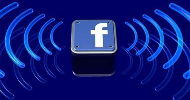 Facebook'tan BlackBerry'e ağır darbe
