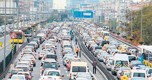 İstanbul'da araç trafiği %8 azaldı
