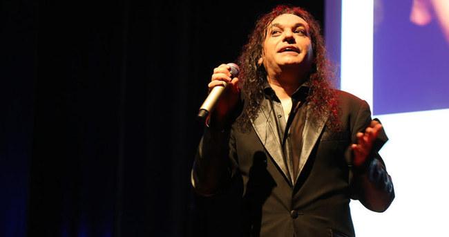 Gökhan Kırdar Yerine Sevemem şarkısını kime yazdığını açıkladı