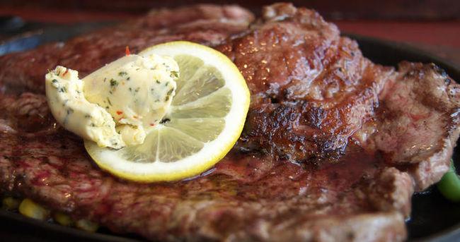 Kırmızı etin yanında limon tüketin