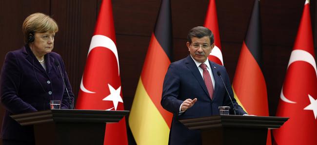 Başbakan Davutoğlu, Merkel ile görüştü