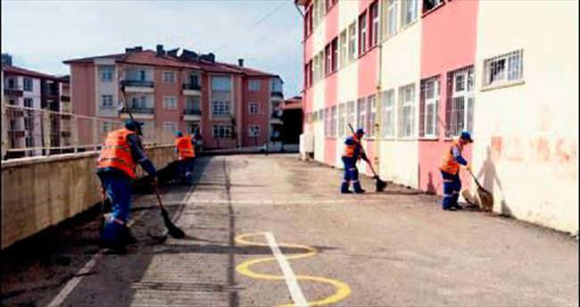 Altındağ'daki tüm okullara temizlik