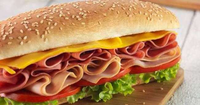 Jambonlu Sandviç Nasıl Yapılır?