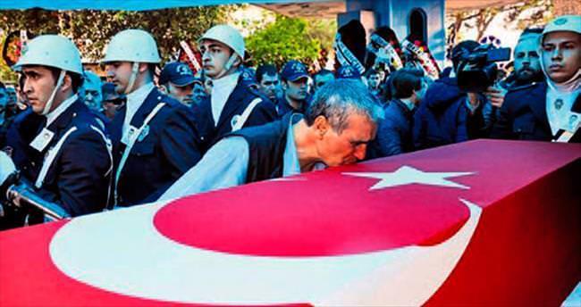Şehit polis Koç, son yolculuğuna uğurlandı