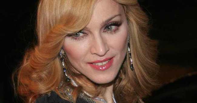 Madonna komşularının hedefi oldu