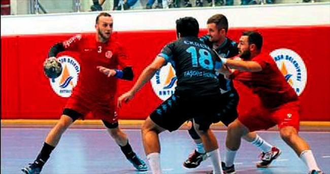 Antalyaspor darbe aldı