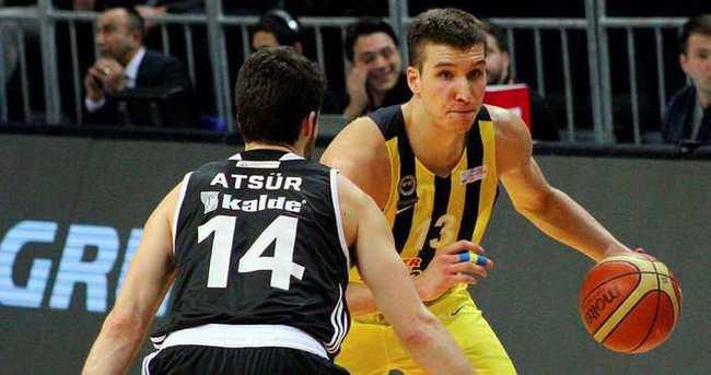 Fenerbahçe derbiyi farklı kazandı