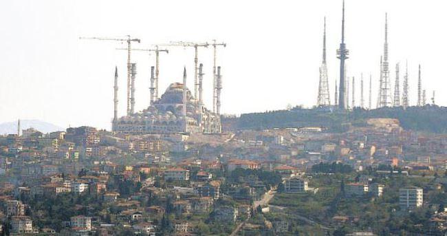Çamlıca Camii'sinin minare ve kubbesi bitmek üzere