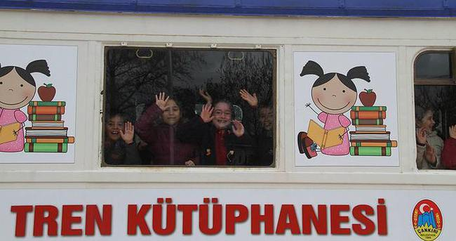 Çocuklar için 'uçak' ve 'tren' kütüphane