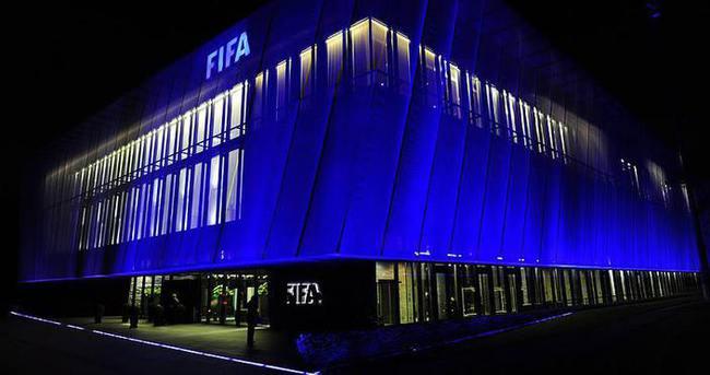 FIFA'dan 4 kulübe ceza