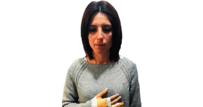 İlkokul müdiresi kadın veliyi dövdü