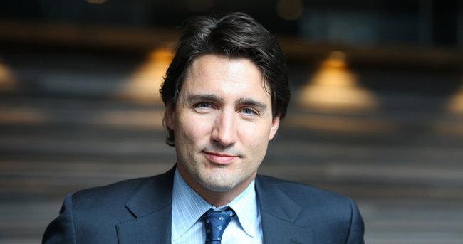 Kanada Başbakanı Trudeau'nun kuru kafalı çorapları