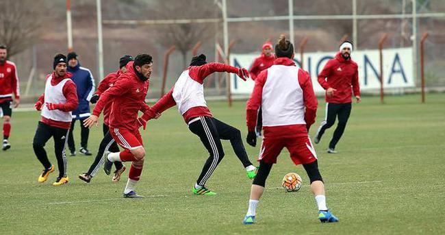 Sivasspor ile Bursaspor 22. randevuda