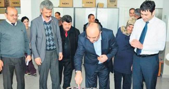 Başkan Gülcüoğlu'na personelinden pastalı sürpriz
