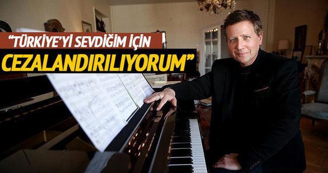Fransız piyanist: Türkiye'yi sevdiğim için cezalandırılıyorum