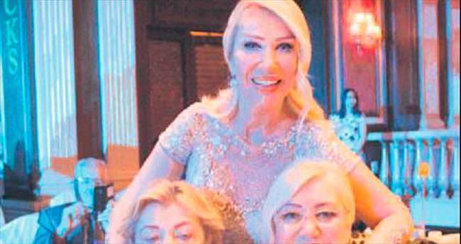 Ertelediği konser için Kıbrıs'taydı