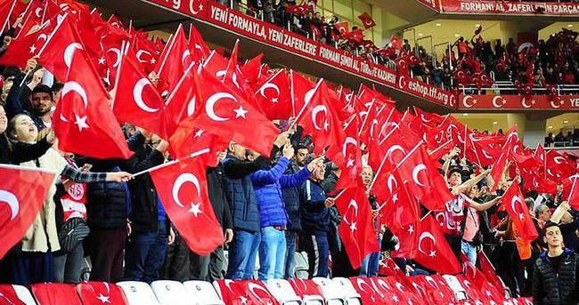 İngiltere-Türkiye maçının biletleri satışta
