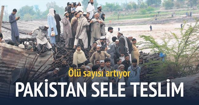Pakistan'da sele 63 kurban