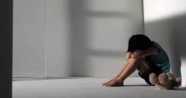 Annesinin merdivenden düştü dediği çocukta tecavüz izleri