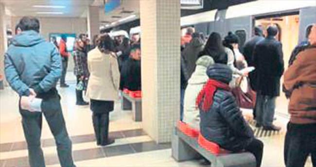 İzmir Metrosu tekledi