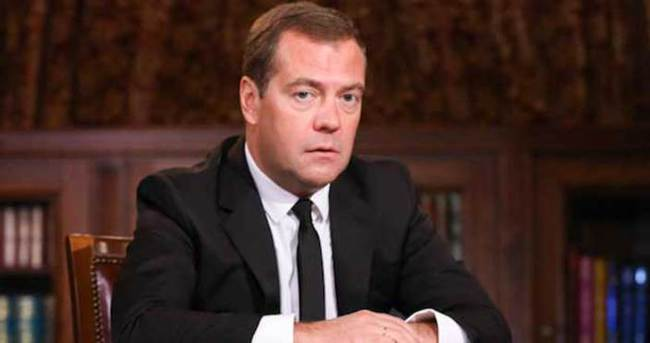 Medvedev, Erivan ve Bakü'yü ziyaret edecek