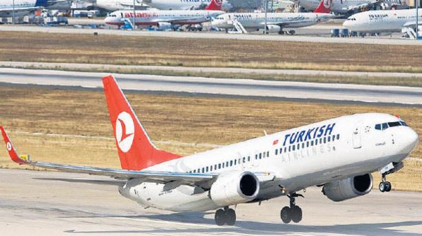 Yunanistan'daki grev uçak seferlerini durdurdu