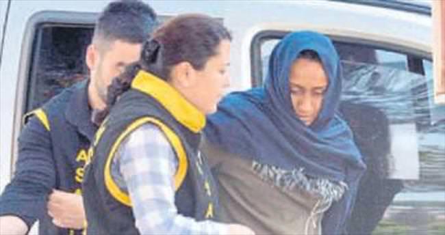 Hırsız kadın yatak odasında yakalandı