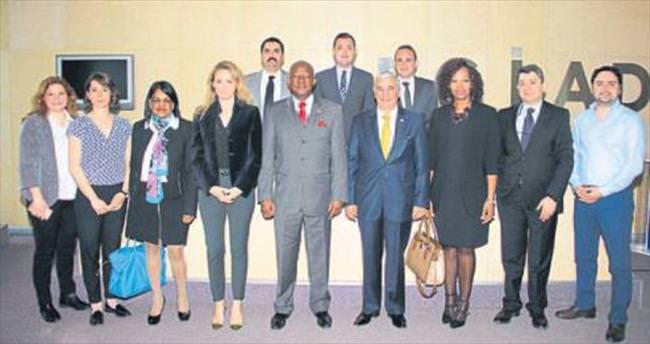 Büyükelçiden İzmir çıkarması