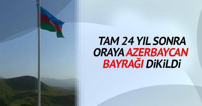 Ermenistan'dan geri alınan köyde Azerbaycan bayrağı