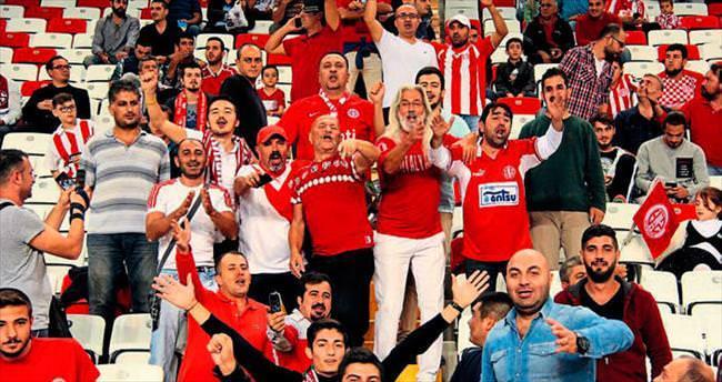 Mİloş'a 'Eşek Şakası'