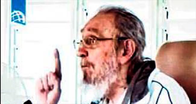 Fidel Castro 9 ay sonra ilk kez sokağa çıktı