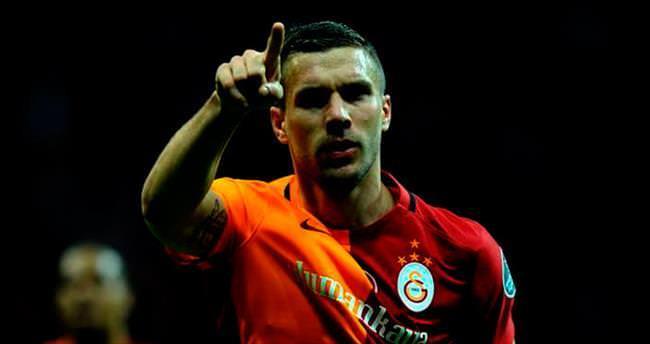 Amerika'ya gel Lukas Podolski
