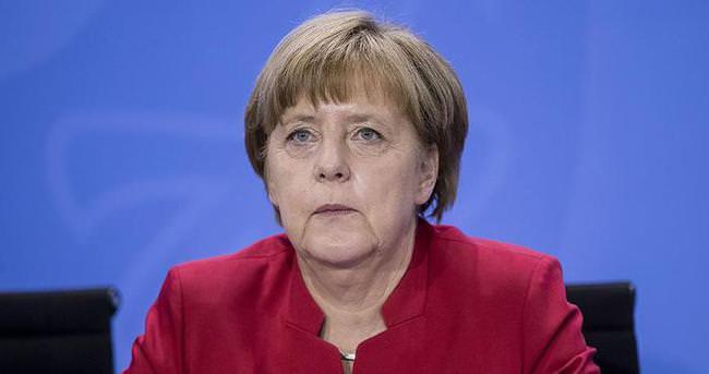 Almanya Başbakanı Merkel: Türkiye büyük bir yük taşıyor