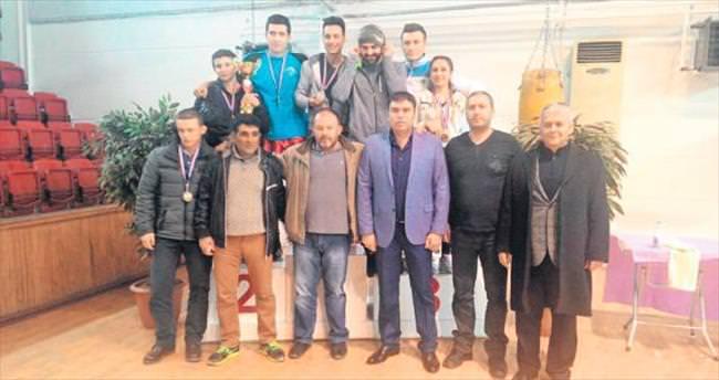 Mamak Belediyesi Boks Takımı birinci oldu