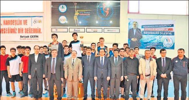Pursaklar Fen Lisesi basketbol şampiyonu