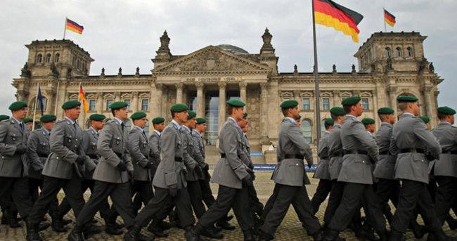 29 Alman askeri DAEŞ'e katılmış