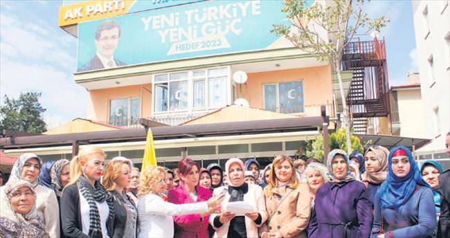 Hakaret siyasetine kadınlardan protesto