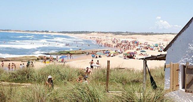 Uruguay'da hortum 4 kişinin ölümüne neden oldu