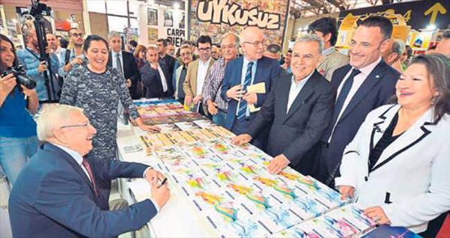 21'inci İzmir Kitap Fuarı kapılarını açtı